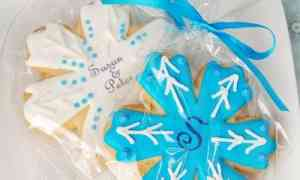 Fun Wedding Favors – Snowflake Cookies