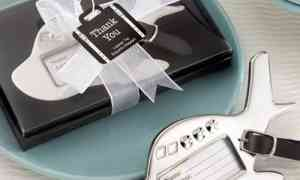 Fun Wedding Favor – Airplane Luggage Tags